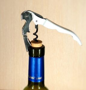 how to open a wine bottle